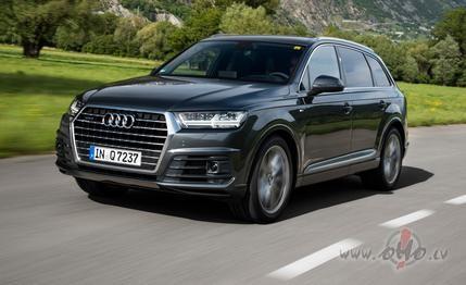 Audi Q7 foto attēls