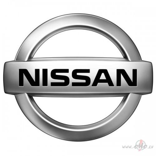 Nissan foto attēls