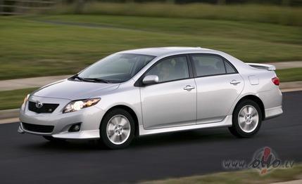 Toyota Corolla foto attēls