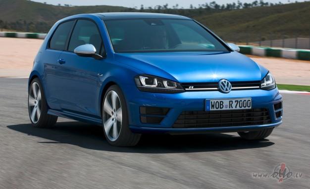 Volkswagen Golf foto attēls