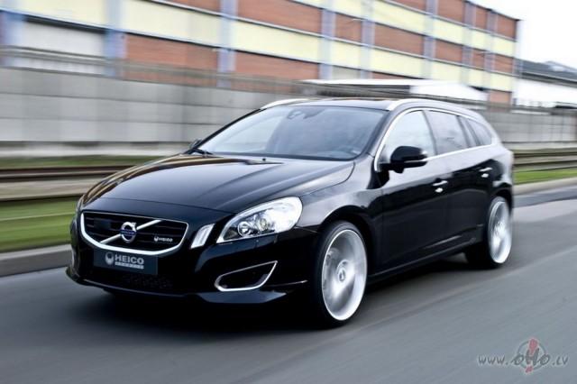 Volvo V60 foto attēls
