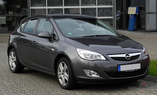 Opel Astra foto attēls