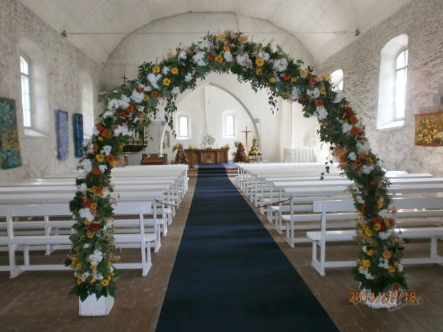 Cik Jūs būtu gatavi maksāt par kāzu floristiku - pušķi, mašīnas dekoru, galda noformējumu? foto