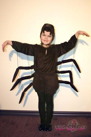 zirnekļa kostīms